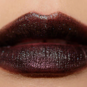 "NIB MAC ""STREET THING"" Amplified Lipstick"